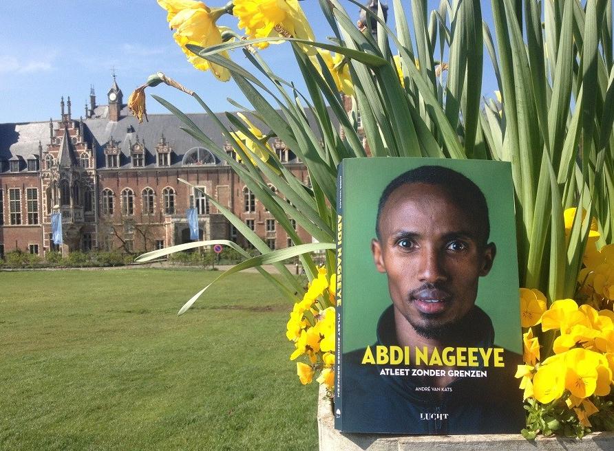 Het boek – Marathonloper zonder grenzen AbdiNageeye